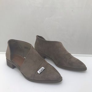 Universal Thread Shoes - Women's micro suede shoes